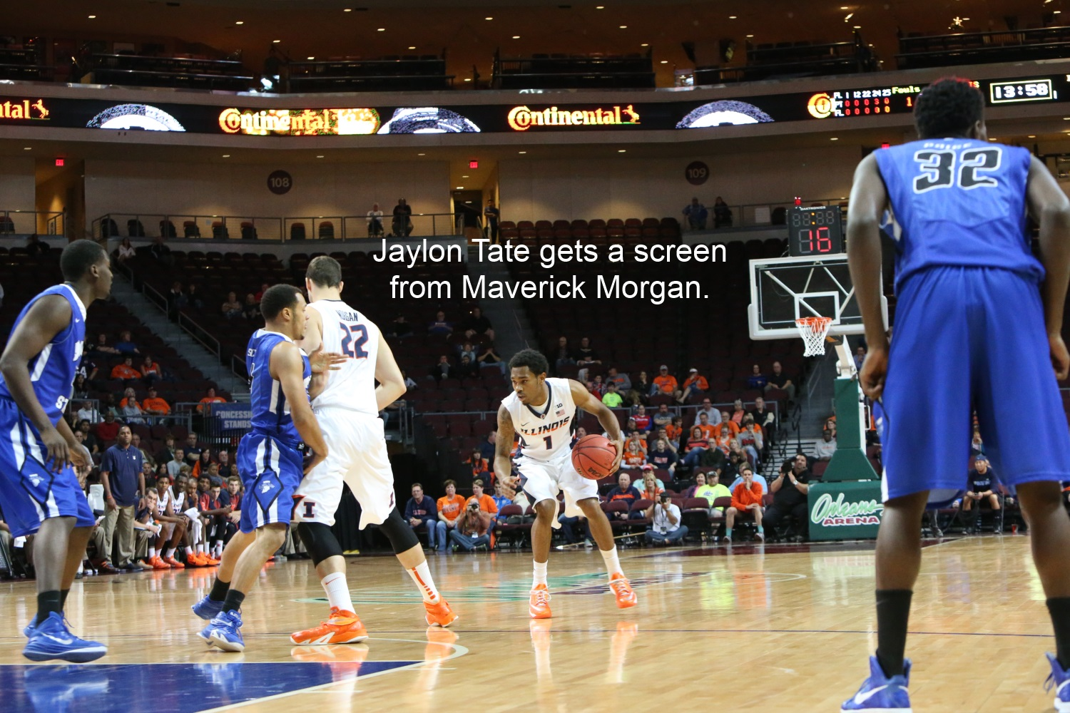 Jaylon TAte gets a screen from MAverick Morgan