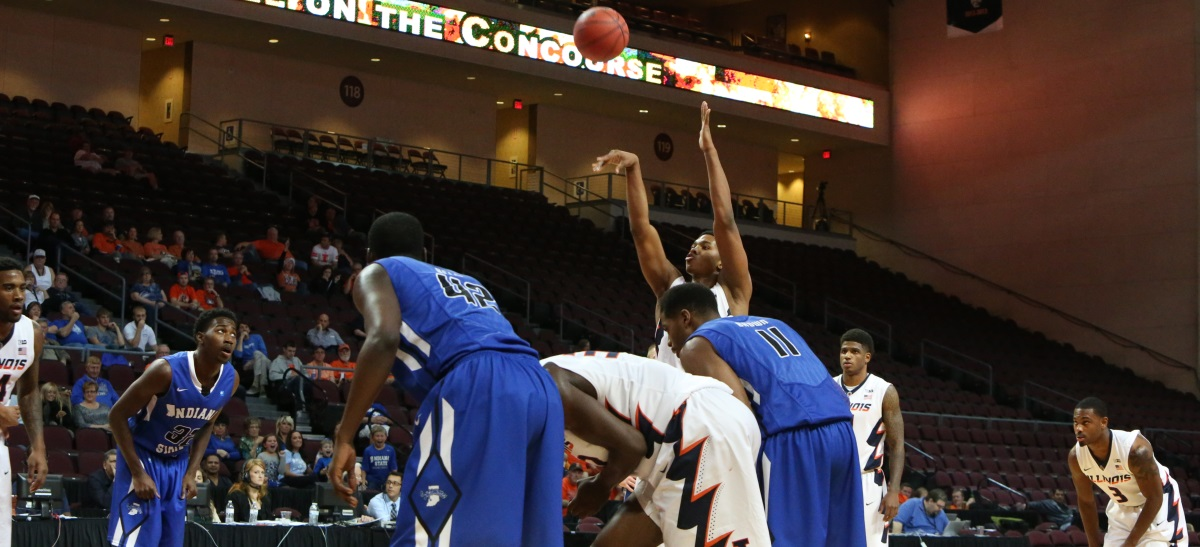Malcolm Hill shoots a free throw