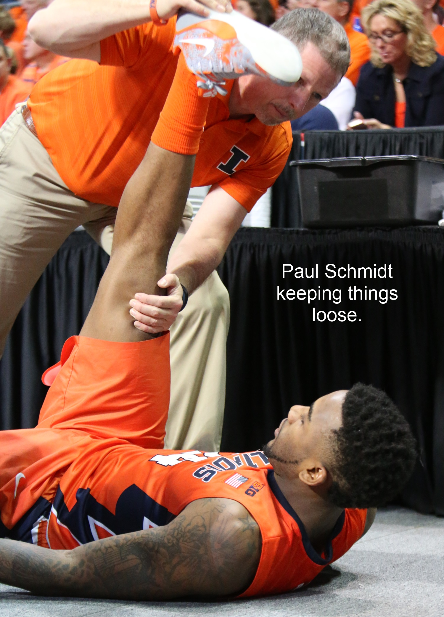Paul Schmidt stretches Rayvonte Rice