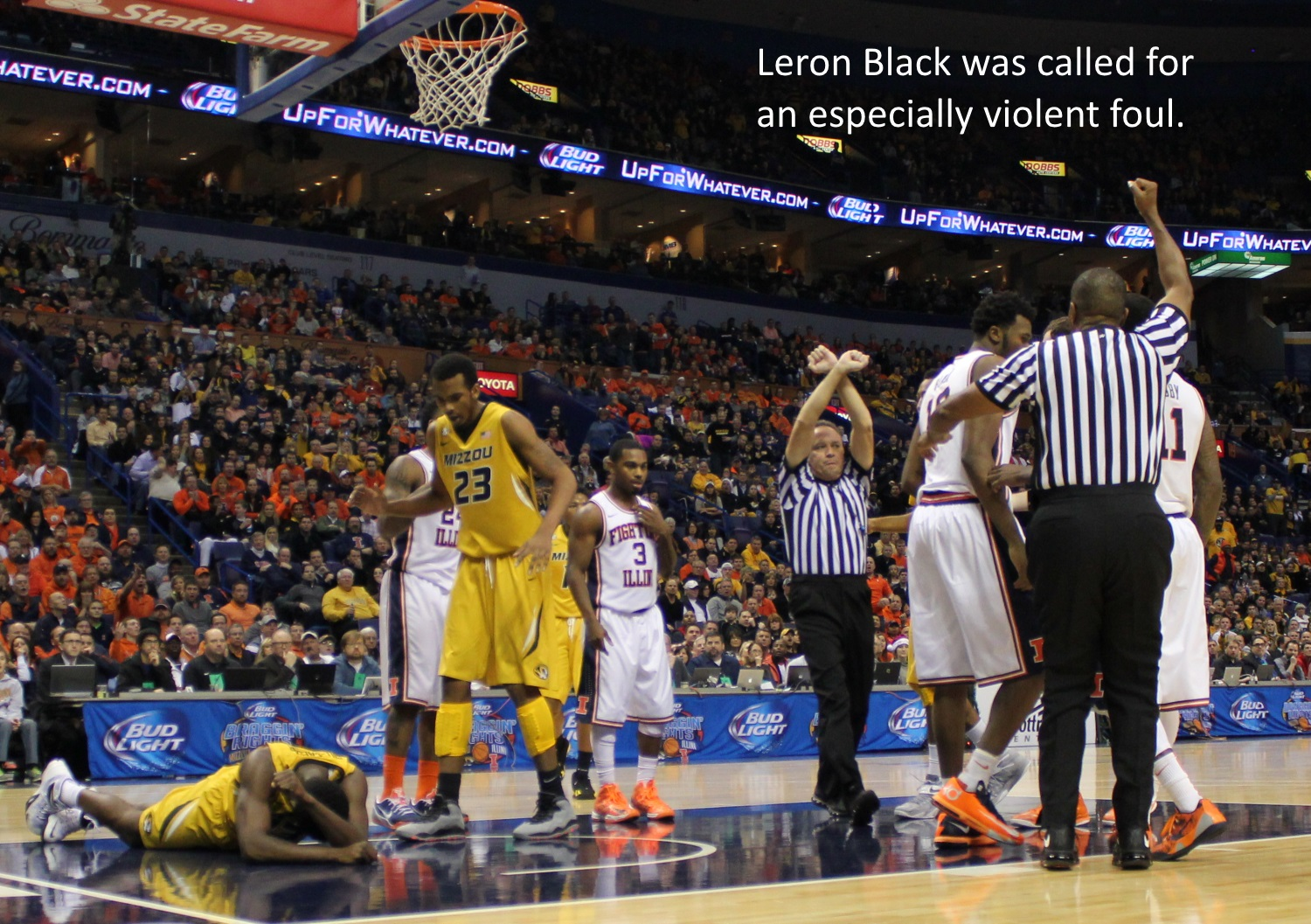 Leron Black violent foul