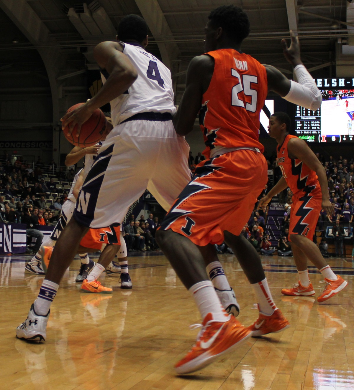 Kendrick Nunn defends against Northwestern Vic Law