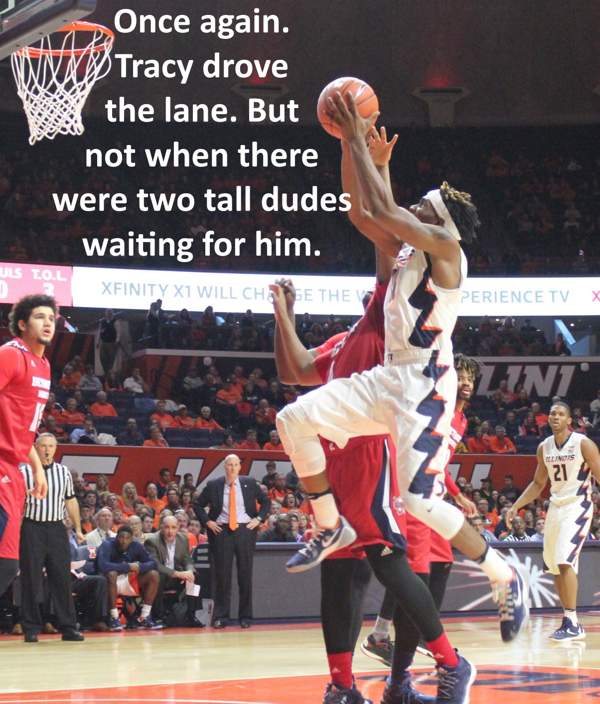 tracy-abrams-drives-against-detroit-mercy