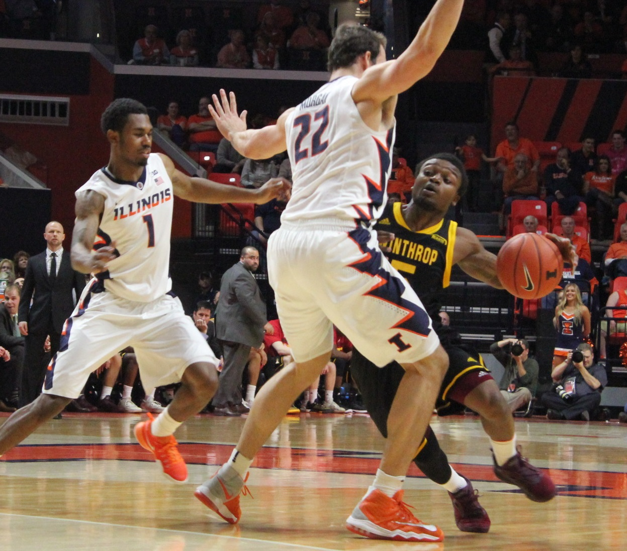 winthrops-keon-johnson-drives-against-illini-center-maverick-morgan-22-monday-night-in-champaign